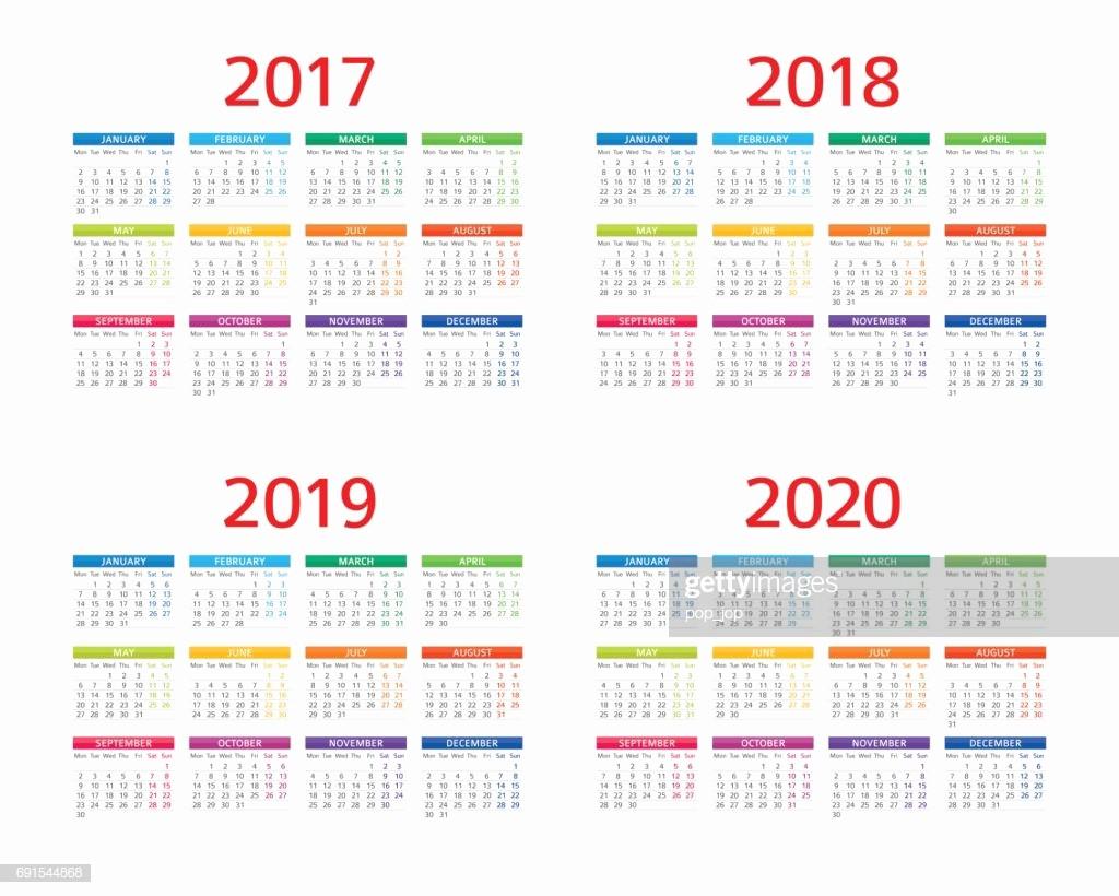 Calendar 2017 Monday to Sunday Awesome Calendar 2017 2018 2019 2020 Monday Sunday Vector Art