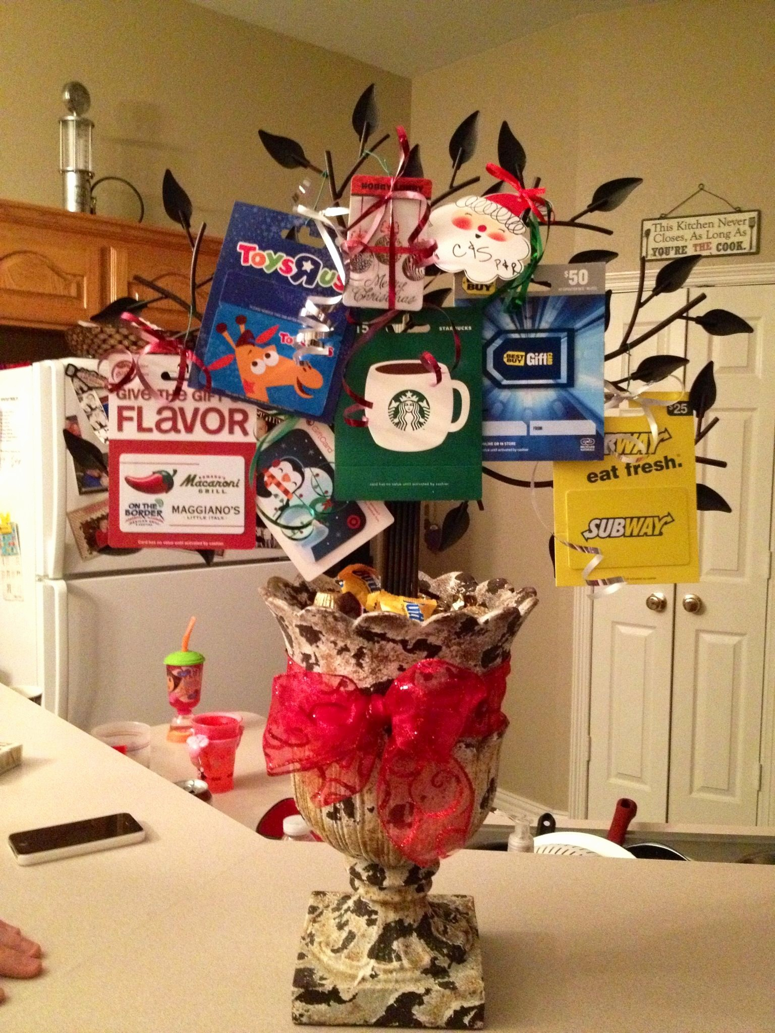 "How to Make Gift Certificates Fresh ""gift Card Tree"" that My Mom Made Us for Christmas"