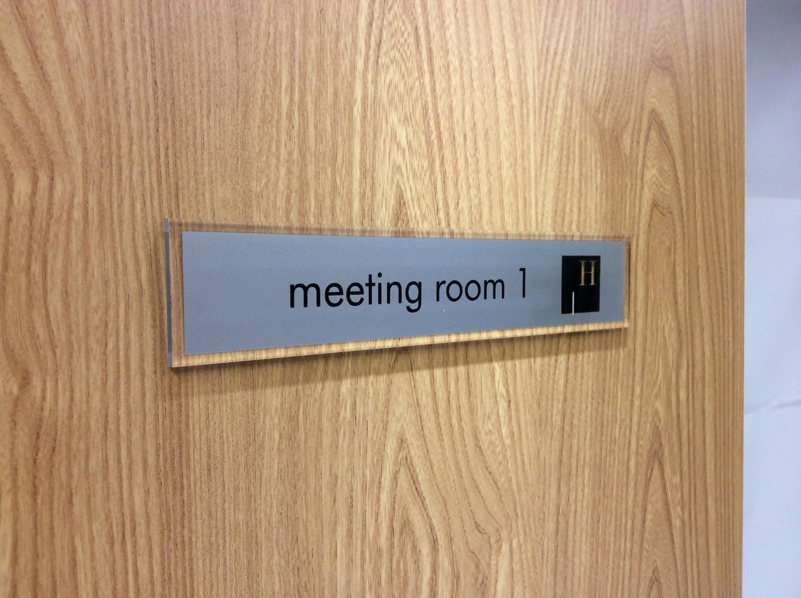 In A Meeting Door Sign Best Of Pin by 宛吟 On 標示牌